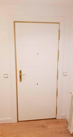Cerco y molduras de tu puerta blindada