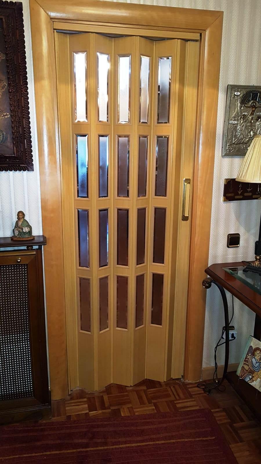 puerta plegable a medida